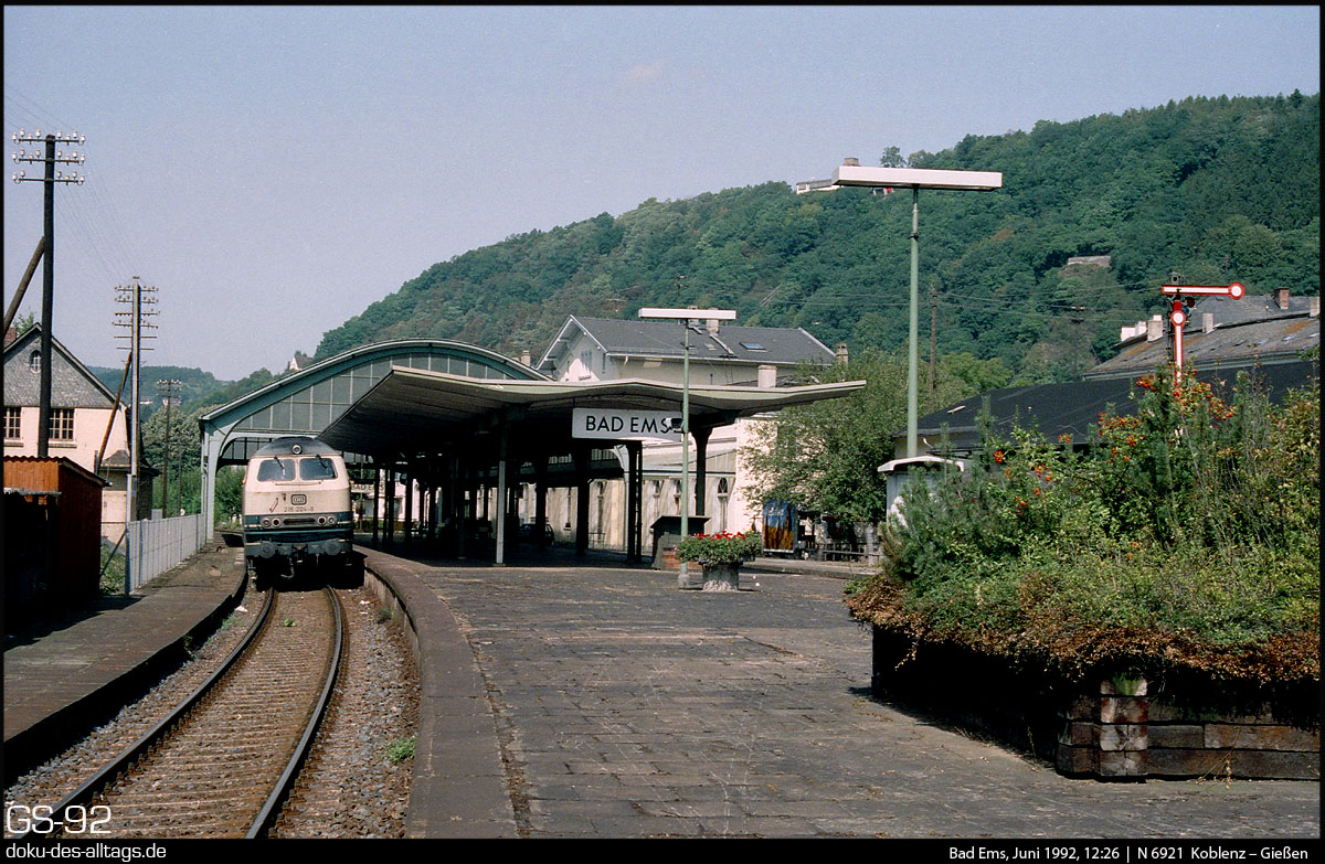 http://doku-des-alltags.de/StreckenundBahnhoefe/Lahntalbahn/01%20Koblenz%20Hbf/20%20216%20204%20in%20Bad%20Ems.jpg