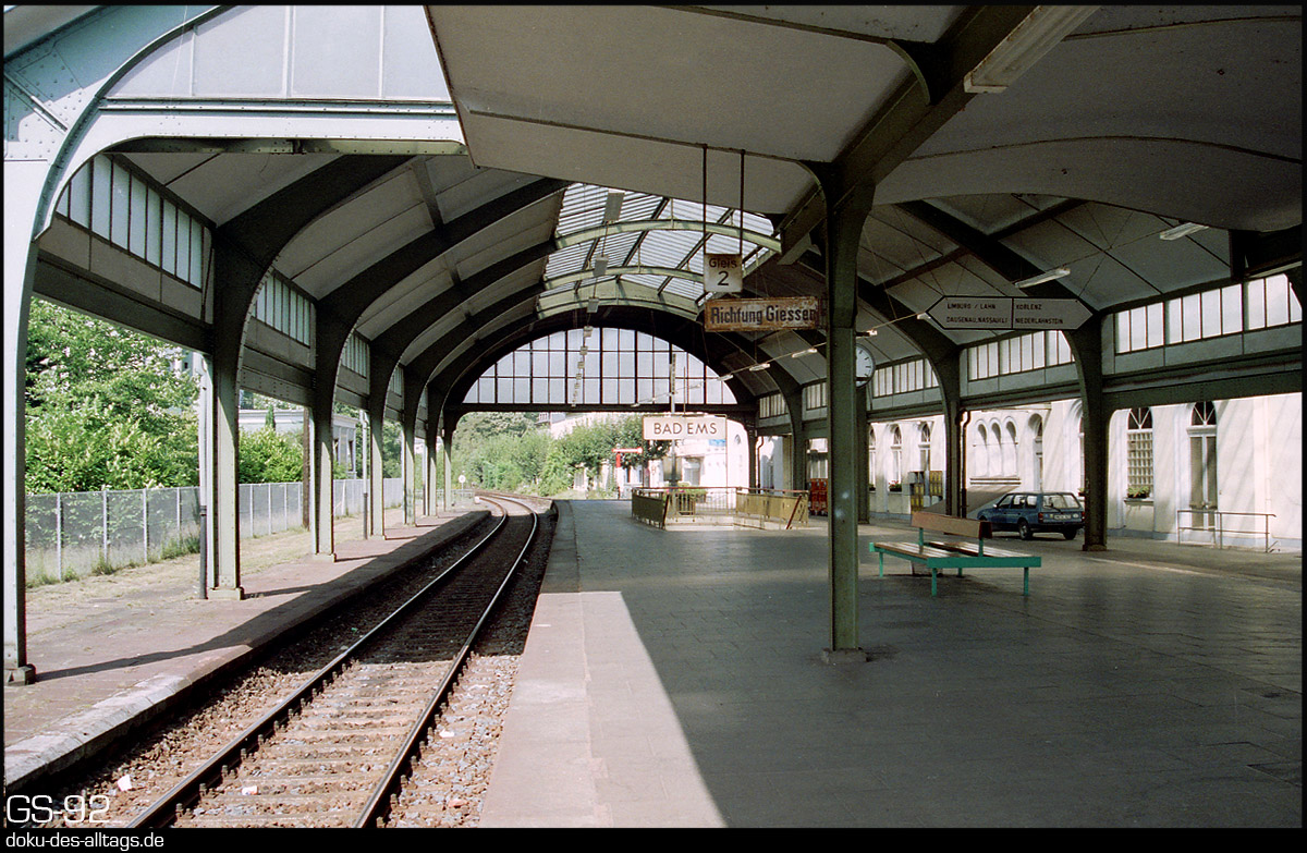 http://doku-des-alltags.de/StreckenundBahnhoefe/Lahntalbahn/02%20Bad%20Ems%20Nassau/03%20Bad%20Ems.jpg