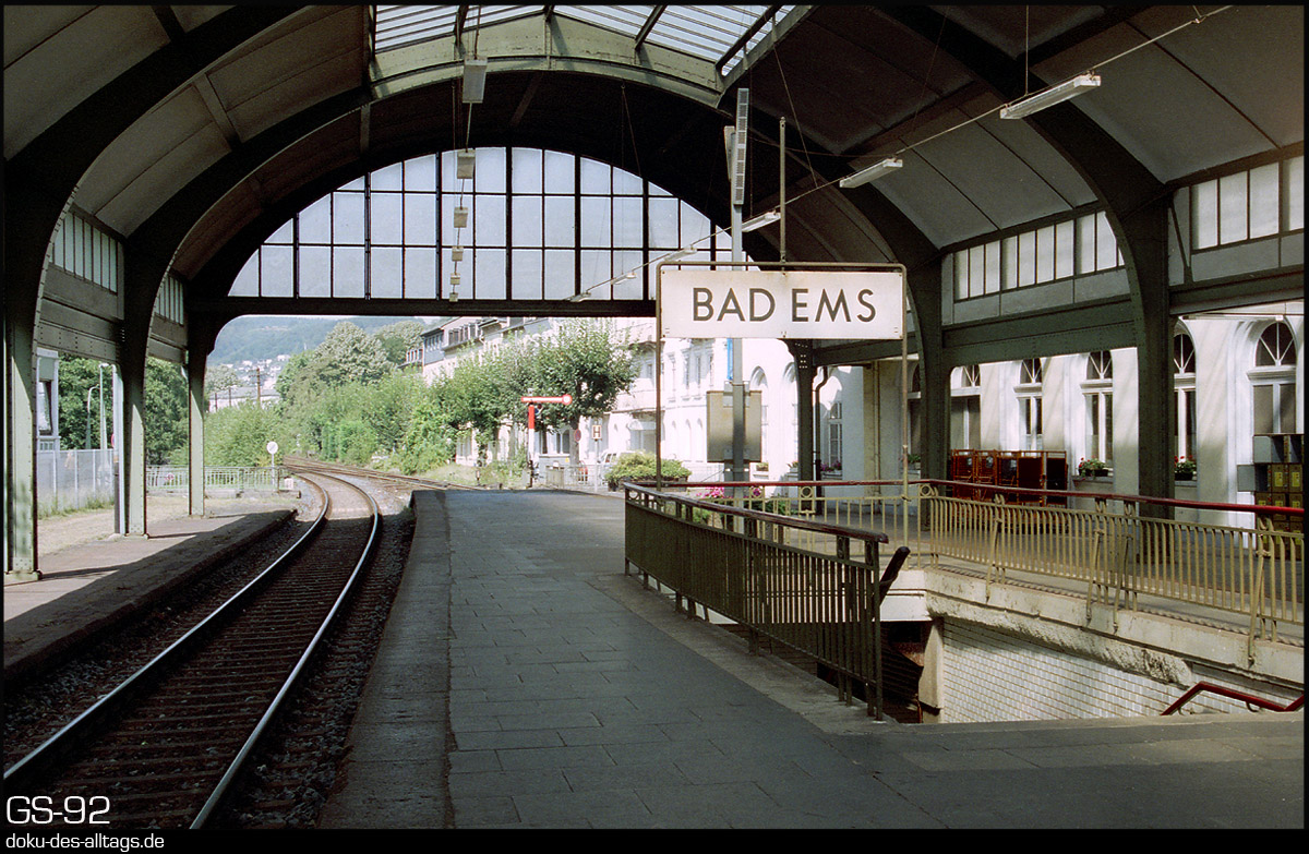 http://doku-des-alltags.de/StreckenundBahnhoefe/Lahntalbahn/02%20Bad%20Ems%20Nassau/05%20Bad%20Ems.jpg