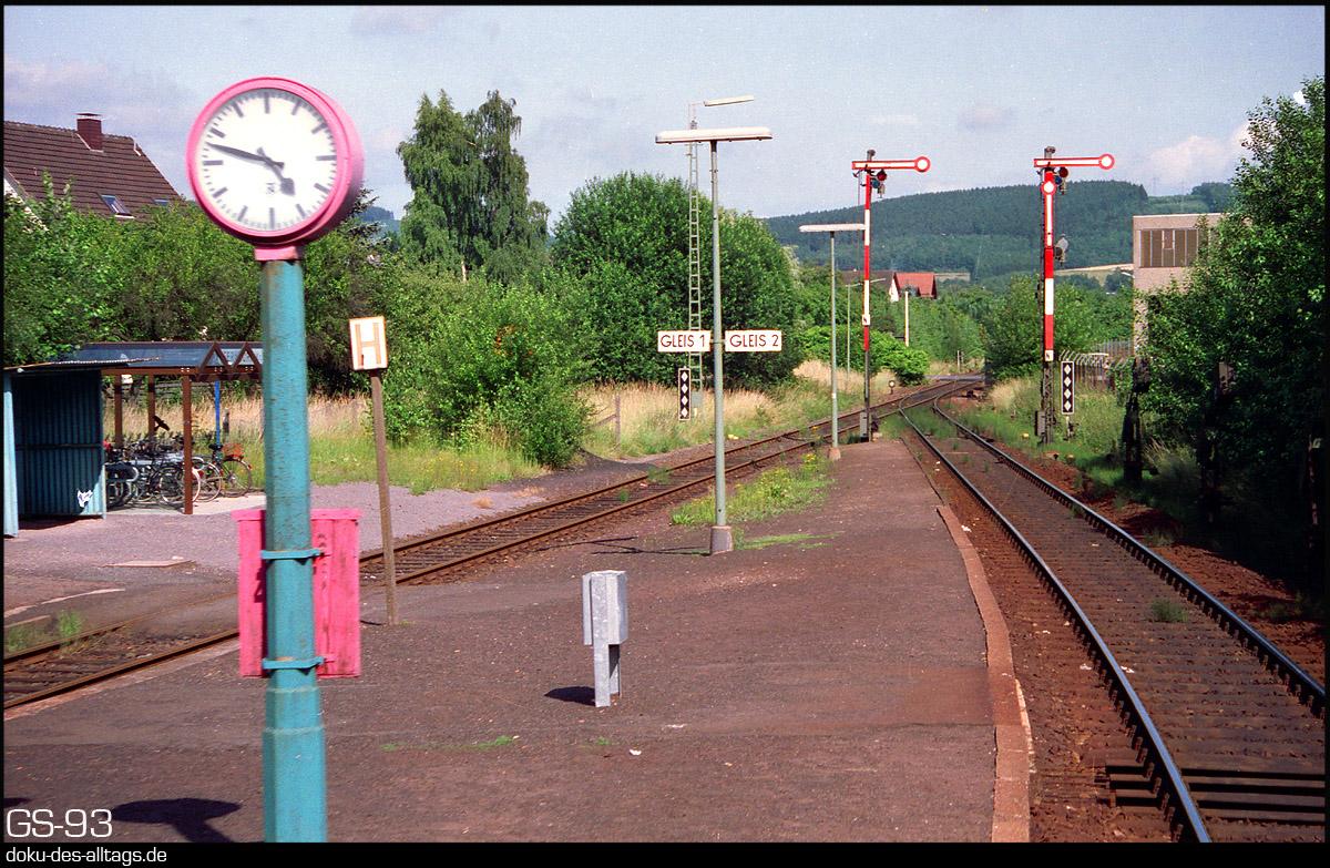 http://doku-des-alltags.de/StreckenundBahnhoefe/Marburg-Siegen/Film%205/04%20Ferndorf.jpg