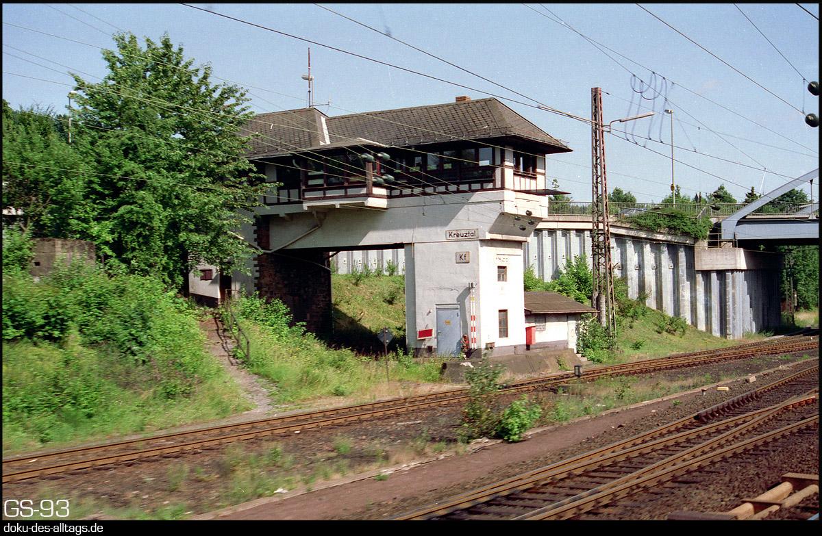 http://doku-des-alltags.de/StreckenundBahnhoefe/Marburg-Siegen/Film%205/11%20Kreuztal.jpg