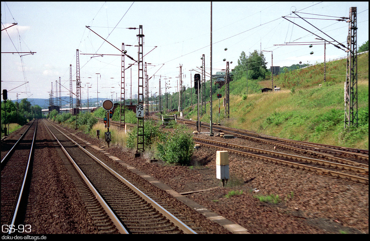 http://doku-des-alltags.de/StreckenundBahnhoefe/Marburg-Siegen/Film%205/14%20Kreuztal.jpg