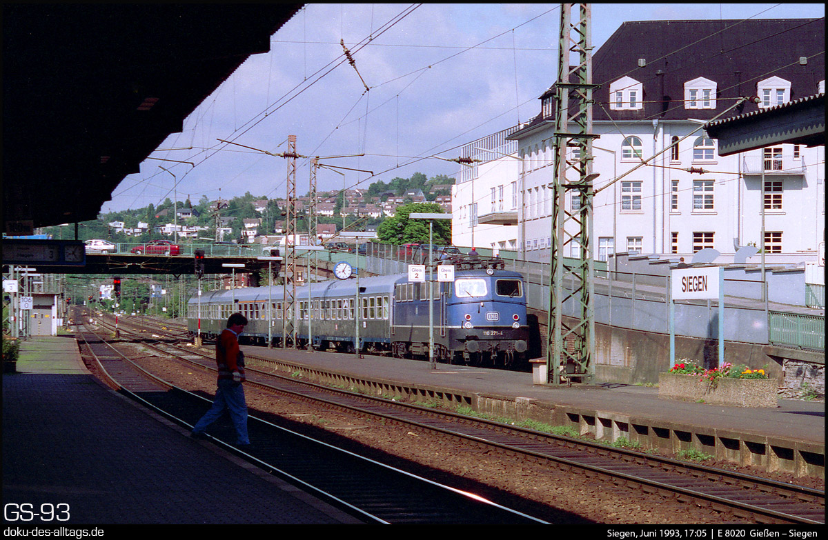 http://doku-des-alltags.de/StreckenundBahnhoefe/Marburg-Siegen/Film%205/16%20110%20271%20in%20Siegen.jpg