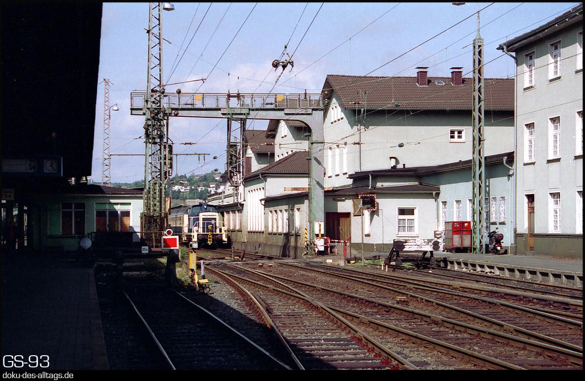 http://doku-des-alltags.de/StreckenundBahnhoefe/Marburg-Siegen/Film%205/19%20365%20734%20in%20Siegen.jpg