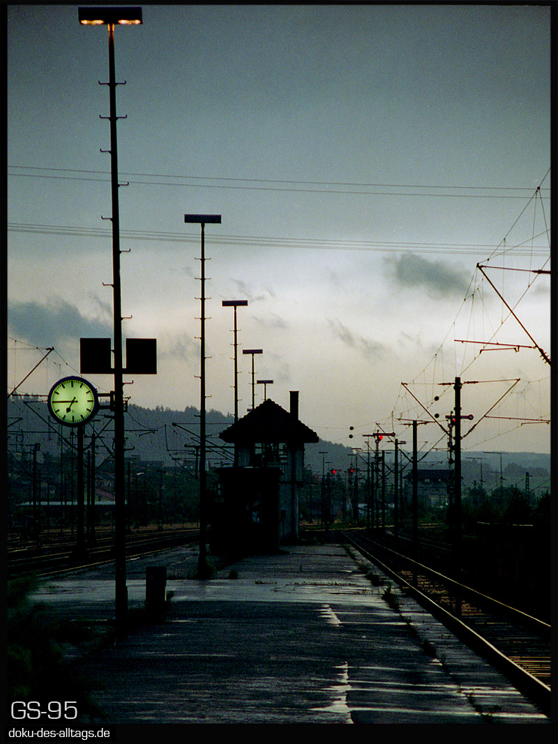 http://doku-des-alltags.de/StreckenundBahnhoefe/Wuerttemberg/Tuttlingen/Film%203/14%20Tuttlingen.jpg