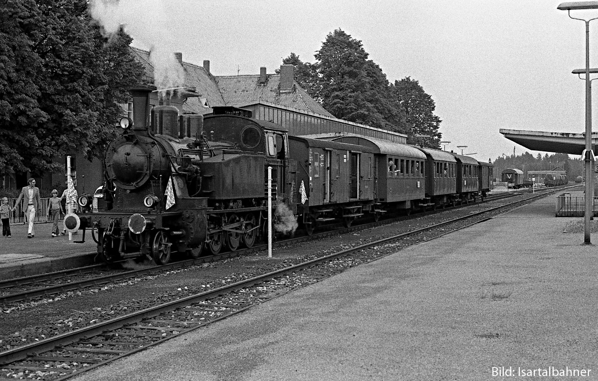 https://doku-des-alltags.de/BDMuenchen/Oberlandbahnen/180701%20Toelz%20Lenggries/1974-06-23_1%20TAG7_P%20BadToelz.jpg